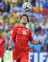 FUSSBALL WM 2014                ACHTELFINALE Argentinien - Schweiz                  01.07.2014 Admir Mehmedi (Schweiz) am Ball
