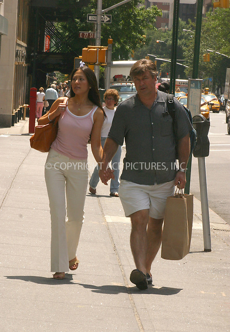 WWW.ACEPIXS.COM . . . . .***EXCLUSIVE!!! FEE MUST BE NEGOTIATED BEFORE USE!!!***....NEW YORK, JUNE 14, 2005....Alec Baldwin has a hand in hand walk across the Upper East Side with girlfriend Nicole.....Please byline: PAUL CUNNINGHAM - ACE PICTURES..... *** ***..Ace Pictures, Inc:  ..Craig Ashby (212) 243-8787..e-mail: picturedesk@acepixs.com..web: http://www.acepixs.com