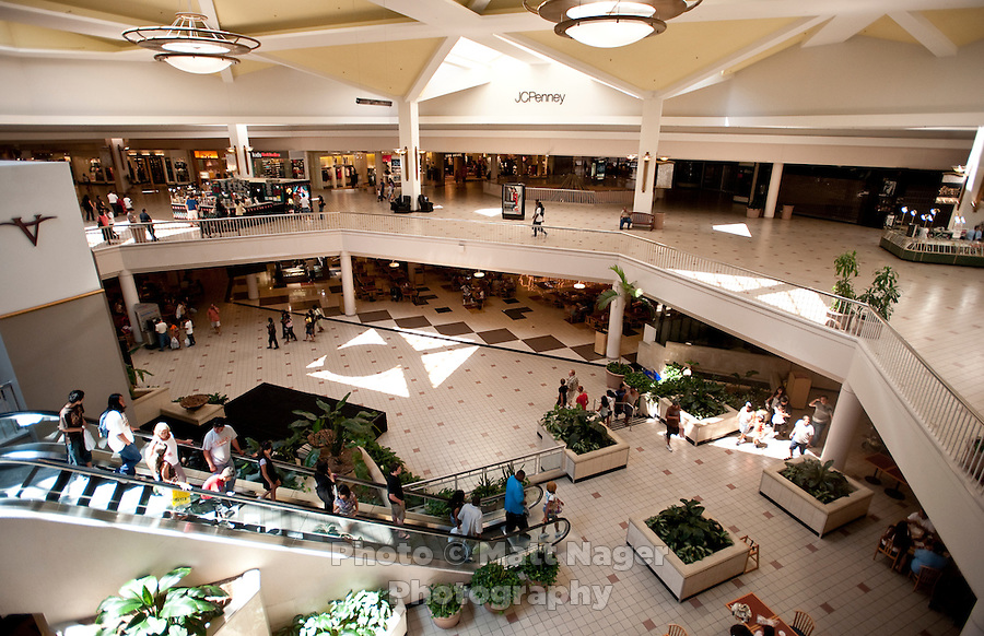 The main atrium next the food court of the Valley View Center Mall in Dallas, Texas, Saturday, August 21, 2010. ..MATT NAGER for the Wall Street Journal