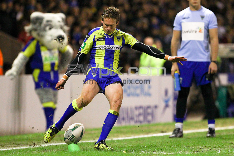 PICTURE BY ALEX WHITEHEAD/SWPIX.COM - Rugby League - Super League - Warrington Wolves vs Catalans Dragons - Halliwell Jones Stadium, Warrington, England - 15/02/13 - Warrington's Brett Hodgson kicks for goal.