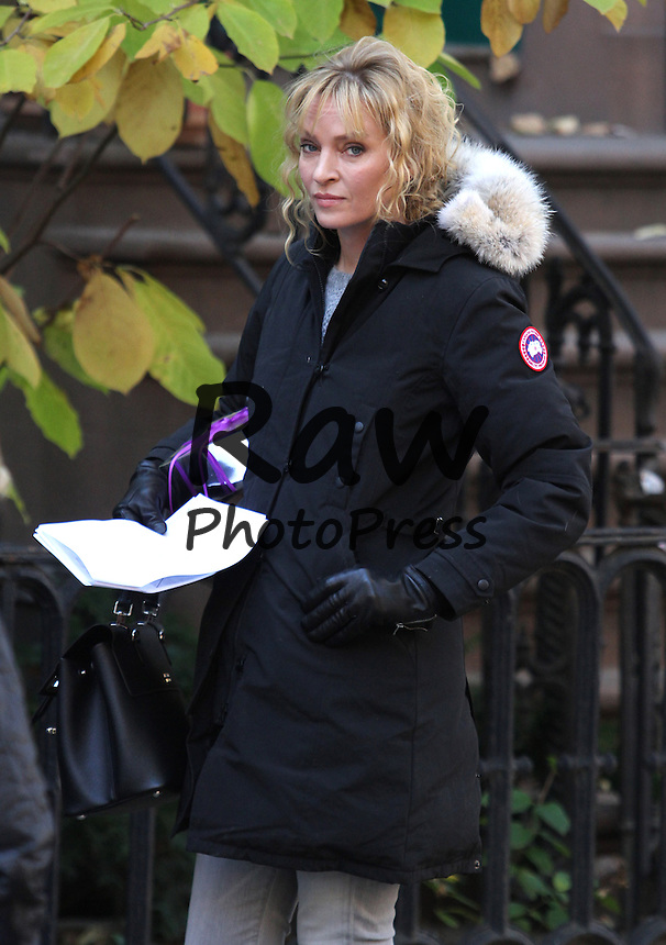 La pel&iacute;cula 'The Slap' se est&aacute; rodando en Nueva York.<br /> Photo &copy; 2014 Luis Jr.-Rodrigo/The Grosby Group<br /> New York, Nov 10th 2014<br /> <br /> Uma Thurman, Brian Cox, Peter Sarsgaard and Penn Badgley shoot NB's The Slap in Downtown Brooklyn.