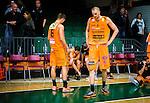 S&ouml;dert&auml;lje 2014-10-01 Basket Basketligan S&ouml;dert&auml;lje Kings - Norrk&ouml;ping Dolphins :  <br /> Norrk&ouml;ping Dolphins Joakim Kjellbom och Gustav Sundstr&ouml;m deppar efter slutsignalen<br /> (Foto: Kenta J&ouml;nsson) Nyckelord:  S&ouml;dert&auml;lje Kings SBBK T&auml;ljehallen Norrk&ouml;ping Dolphins depp besviken besvikelse sorg ledsen deppig nedst&auml;md uppgiven sad disappointment disappointed dejected