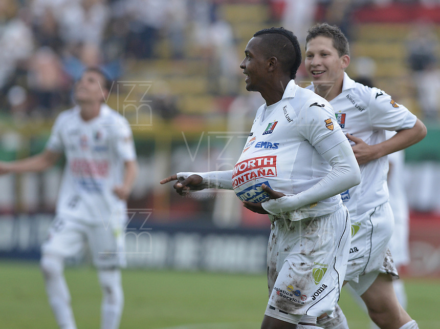 BOGOTA -COLOMBIA, 10-11-2013. José Izquierdo jugador de Once Caldas celebra un gol en contra del Patriotas FC durante partido por la fecha 18 de la Liga Postobón II 2013 realizado en el estadio  Metropolitano de Techo de Bogotá./ Jose Izquierdo player of Once Caldas celebrates a goal against Patriotas FC during match for the 18th date of Postobon  League 2013-1 played at Metropolitano de Techo stadium in Bogota. Photo: VizzorImage/ Gabriel Aponte /STR