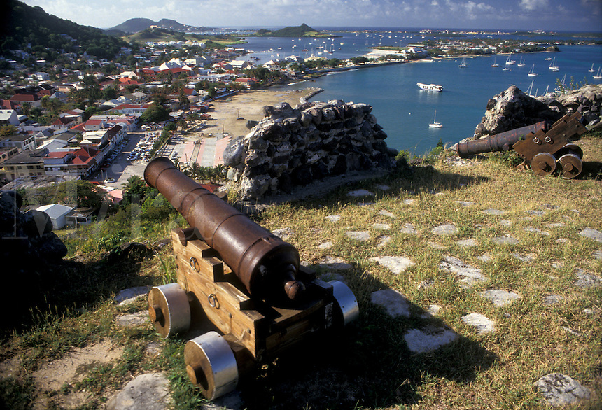 AJ2402, St. Martin, Caribbean, Marigot, Caribbean Islands, Scenic view of Nettle Bay and Marigot the French capital of the island Saint Martin (french part) from Fort St. Louis. A cannon guards the city