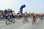 The start of Stage 4 The Municipality Stage of the Dubai Tour 2018 the Dubai Tour&rsquo;s 5th edition, running 172km from Skydive Dubai to Hatta Dam, Dubai, United Arab Emirates. 9th February 2018.<br /> Picture: LaPresse/Fabio Ferrari | Cyclefile<br /> <br /> <br /> All photos usage must carry mandatory copyright credit (&copy; Cyclefile | LaPresse/Fabio Ferrari)