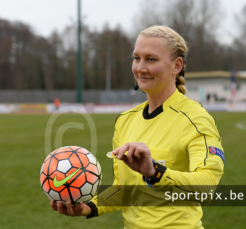 20160319 - FLERS , FRANCE : referee Tess Olofsson pictured during the soccer match between the women under 17 teams of  France and the Czech Republic , on the first matchday in group 3 of the UEFA Women Under17 Elite rounds at Stade du Haze in Flers , France . Saturday 19th March 2016 . PHOTO DAVID CATRY