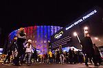 Solna 2015-11-14 Fotboll EM-kval , Sverige - Danmark :  <br /> Publik utanf&ouml;r Friends Arena som &auml;r upplyst i Frankrikes f&auml;rger f&ouml;r att hedra offren f&ouml;r terroristattacken i Paris i fredags i samband med matchen i EM-kvalet mellan Sverige och Danmark <br /> (Photo: Kenta J&ouml;nsson) Keywords:  Sweden Sverige Solna Stockholm Friends Arena EM Kval EM-kval UEFA Euro European 2016 Qualifying Qualifier Playoff Denmark Danmark utomhus exteri&ouml;r exterior Frankrike Paris