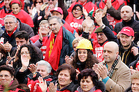 Manifestazione nazionale della CGIL a Roma, 27 novembre 2010, contro la politica economica del governo..Demonstrators gather during a rally promote by the italian CGIL main labor union against the government's economics policy, in Rome, 27 november 2010..UPDATE IMAGES PRESS/Riccardo De Luca
