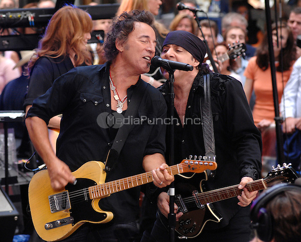 Bruce Springsteen and the E Street Band performing on the NBC Today show live from Rockefeller Plaza in New York City on September 28, 2007. © David Atlas / MediaPunch