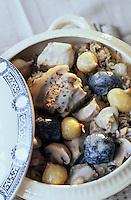 Europe/France/Midi-Pyrénées/46/Lot: Blanquette de veau à l'ancienne parfumée à la truffe