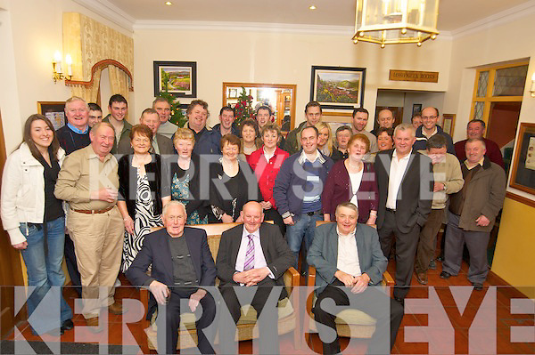 Noel O'Sullivan, Baradubh, pictured with family and friends as he celebrated his 60th birthday in Darby O'Gills on Friday night.   Copyright Kerry's Eye 2008