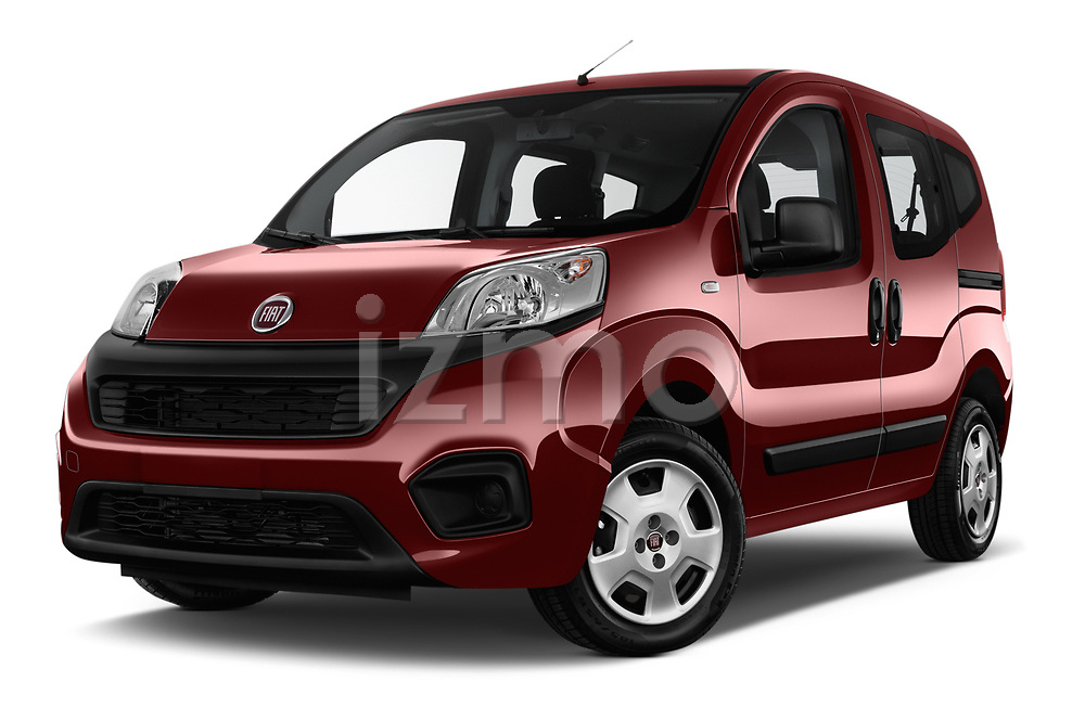 Stock pictures of low aggressive front three quarter view of 2017 Fiat Qubo Easy 5 Door MPV