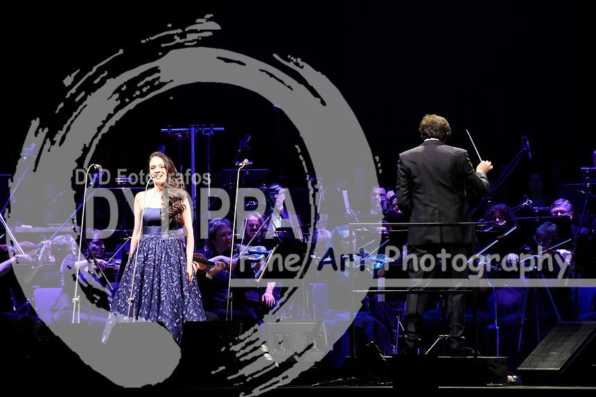 Maria Aleida Rodriguez als Gast von Andrea Bocelli bei einem exklusiven Konzert mit Orchester und dem Budapest Studio Choir in der Olympiahalle. München, 07.04.2018