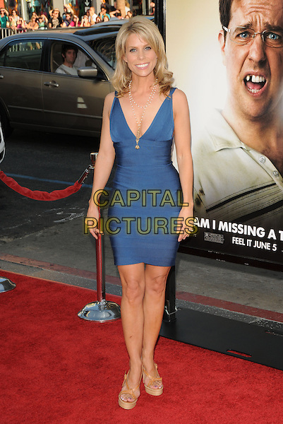 "CHERYL HINES.The Warner Brother Pictures' L.A. Premiere of ""The Hangover"" held at The Grauman's Chinese Theatre in Hollywood, California, USA..June 2nd, 2009 .full length blue dress Herve Leger bandage beige platform shoes pearl necklaces low cut neckline .CAP/DVS.©Debbie VanStory/Capital Pictures."