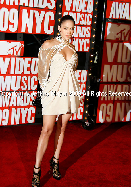 New York, New York  - September 13: Jennifer Lopez arrives at the 2009 MTV Video Music Awards at Radio City Music Hall on September 13, 2009 in New York, New York.