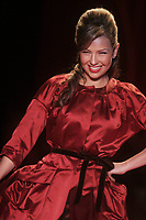 Thalia 2006<br /> THE HEART TRUTH''  RED DRESS COLLECTION FASHION SHOW AT BRYANT PARK<br /> Photo By John Barrett/PHOTOlink.net