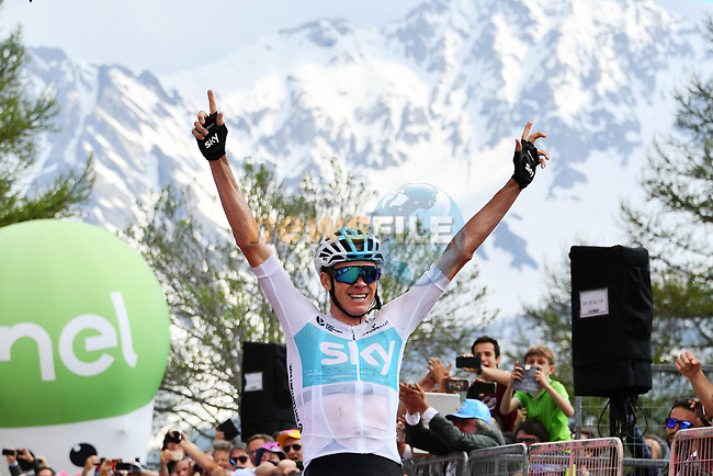 Chris Froome (GBR) Team Sky wins Stage 19 of the 2018 Giro d'Italia, running 185km from Venaria Reale to Bardonecchia featuring the Cima Coppi of this Giro, the highest climb on the Colle delle Finestre with its gravel roads, before finishing on the final climb of the Jafferau, Italy. 25th May 2018.<br /> Picture: LaPresse/Gian Mattia D'Alberto | Cyclefile<br /> <br /> <br /> All photos usage must carry mandatory copyright credit (© Cyclefile | LaPresse/Gian Mattia D'Alberto)
