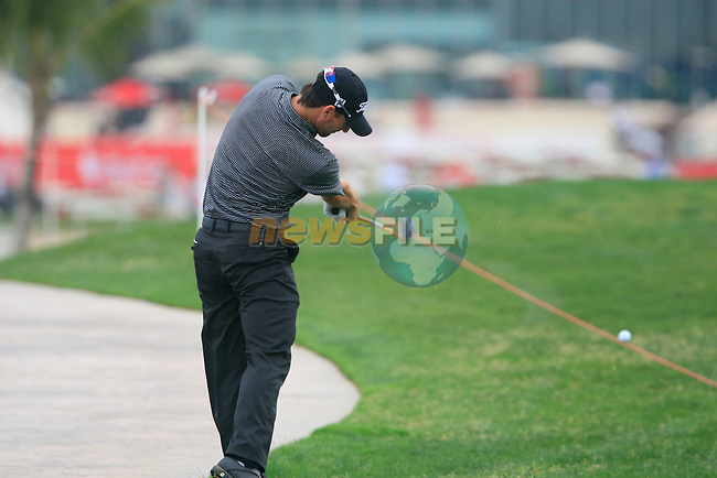 Rick Kulacz plays his drop shot on the 9th hole during Thusday Day 1 of the Abu Dhabi HSBC Golf Championship, 20th January 2011..(Picture Eoin Clarke/www.golffile.ie)