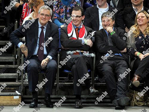 2012-02-15 / Basketbal / seizoen 2011-2012 / 1/4 finale Beker van België / Antwerp Giants - Charleroi / Sportpaleis / Kris Peeters, Wouter Beke en Ludo Van Campenhout..Foto: Mpics.be