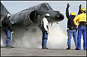 - Mer Méditerranée- Porte Avions Charles de Gaulle- Catapultage d'un Super Etendard.
