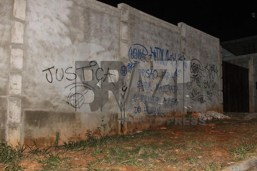 São Roque 23/10/2013 - Na madrugada de hoje luzes e movimentação no Instituto Royal em São Roque -São Paulo -Fotos Carlos Pessuto Brazil Photo Press