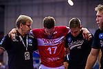 Verletzt:  FONTAINE, Daniel (#17 Bergischer HC) \ beim Spiel in der Handball Bundesliga, TVB 1898 Stuttgart - Bergischer HC.<br /> <br /> Foto © PIX-Sportfotos *** Foto ist honorarpflichtig! *** Auf Anfrage in hoeherer Qualitaet/Aufloesung. Belegexemplar erbeten. Veroeffentlichung ausschliesslich fuer journalistisch-publizistische Zwecke. For editorial use only.