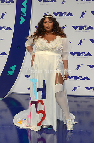 INGLEWOOD, CA - AUGUST 27: Lizzo at the 2017 MTV Video Music Awards At The Forum in Inglewood, California on August 27, 2017. Credit: David Edwards/MediaPunch