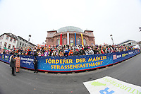 VIP Tribüne am Staatstheater - Rosenmontagsumzug in Mainz