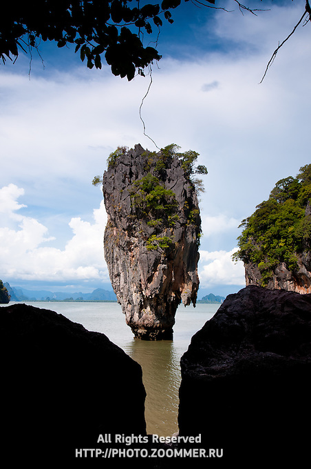 Limestone cliff of Ko Tapu (James Bond Island) in Phang Nga Bay, Thailand
