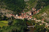 Lamagol, village de la vallee du Lot.Lamagol, village of the valley of the Lot