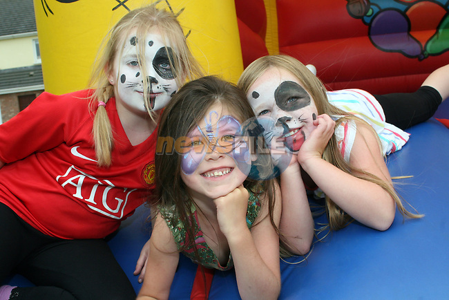 Clara McGarry, Abbie Tracey and Erin Cooney at the Annual Sports Day at the Commons, Duleek...Photo NEWSFILE/Jenny Matthews.(Photo credit should read Jenny Matthews/NEWSFILE)....This Picture has been sent you under the condtions enclosed by:.Newsfile Ltd..The Studio,.Millmount Abbey,.Drogheda,.Co Meath..Ireland..Tel: +353(0)41-9871240.Fax: +353(0)41-9871260.GSM: +353(0)86-2500958.email: pictures@newsfile.ie.www.newsfile.ie.FTP: 193.120.102.198.