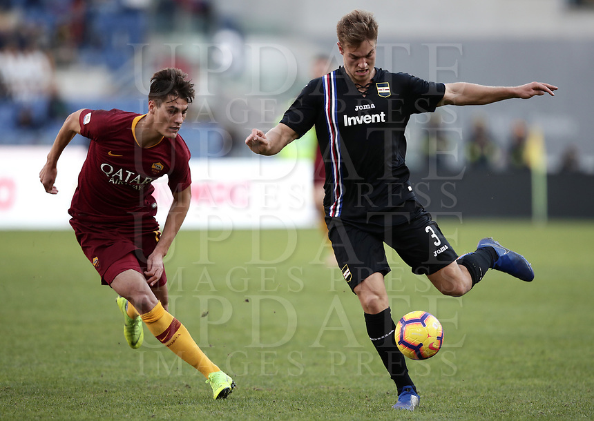 Football, Serie A: AS Roma - Sampdoria, Olympic stadium, Rome, November 11, 2018. <br /> Sampdoria's Christian Andersen (r) in action with Patrick Schick (l) during the Italian Serie A football match between Roma and Sampdoria at Rome's Olympic stadium, on November 11, 2018.<br /> UPDATE IMAGES PRESS/Isabella Bonotto