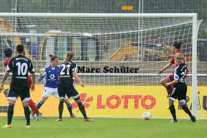 Freistoss von Abby Erceg (Jena) zum 1:1 - 1. FFC Frankfurt vs. USV FF Jena