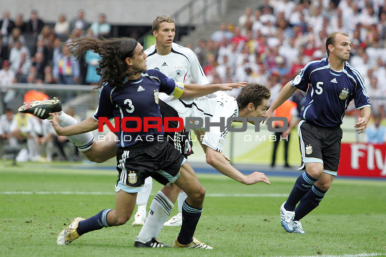 FIFA WM 2006 - Quarter-finals / Viertelfinale<br /> <br /> Play #57 (30-Jun) - Germany vs Argentina.<br /> <br /> Miroslav Klose from Germany scores his 1-1 goal during the match of the World Cup in Berlin.<br /> <br /> Foto &copy; nordphoto