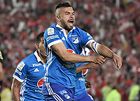 BOGOTÁ - COLOMBIA, 17-12-2017: Andres Cadavid jugador del Millonarios celebra después de anotar un gol a Santa Fe durante el encuentro entre Independiente Santa Fe y Millonarios por la final vuelta de la Liga Águila II 2017 jugado en el estadio Nemesio Camacho El Campin de la ciudad de Bogotá. / Andres Cadavid player of Millonarios celebrates after scoring a goal to Santa Fe during match between Independiente Santa Fe and Millonarios for the second leg final of the Aguila League II 2017 played at the Nemesio Camacho El Campin Stadium in Bogota city. Photo: VizzorImage/ Gabriel Aponte / Staff