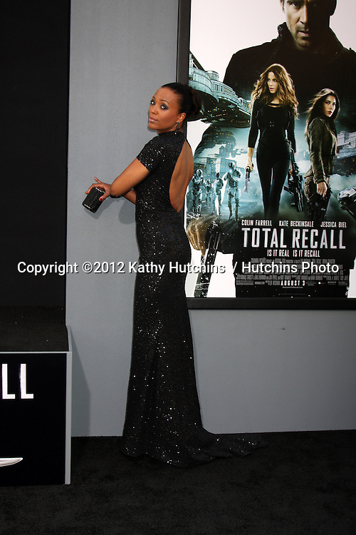 "LOS ANGELES - AUG 1:  Aisha Tyler arrives at the ""Total Recall"" Premiere at Graumans Chinese Theater on August 1, 2012 in Los Angeles, CA"