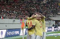 SEÚL – COREA DEL SUR, 26-03-2019: Luis Díaz de Colombia celebra después de anotar el primer gol de su equipo durante partido amistoso de la fecha FIFA marzo 2019 entre las selecciones de Corea del Sur y Colombia jugado en el estadio Mundialista de Seúl. / Luis Diaz of Colombia celebrates after scoring the first goal of his team during friendly match for the FIFA date March 2019 between national teams of South Korea and Colombia played at Seoul World Cup Stadium. Photos: VizzorImage / Julian Medina / Cont / FCF