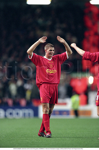 STEVEN GERRARD celebrates at the end of the game, LIVERPOOL 2 v Roma 0, Champions League, Anfield, 020319. Photo: Neil Tingle/Action Plus...2002.association football.soccer.club clubs.International Internationals.celebration celebrate celebrating celebrations joy celebrates