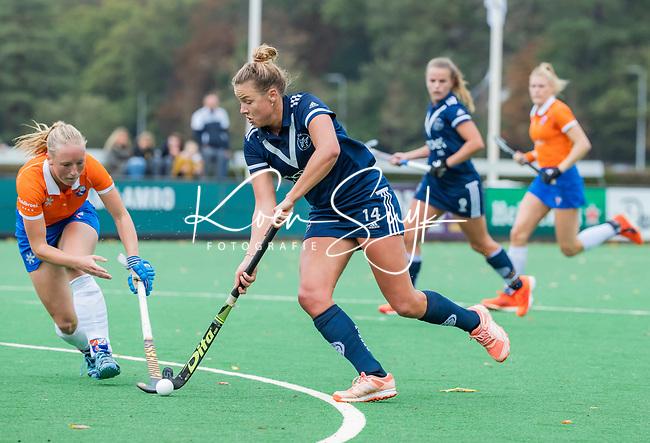 BLOEMENDAAL  - Anouk Lambers (Pinoke)  tijdens de hoofdklasse competitiewedstrijd vrouwen , Bloemendaal-Pinoke (1-2) . COPYRIGHT KOEN SUYK