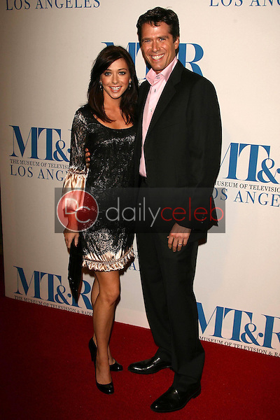 Alyson Hannigan and Alexis Denisof<br />at The Museum of Television & Radio's Annual Los Angeles Gala. Regent Beverly Wilshire Hotel, Beverly Hills, CA. 10-30-06<br />Dave Edwards/DailyCeleb.com 818-249-4998