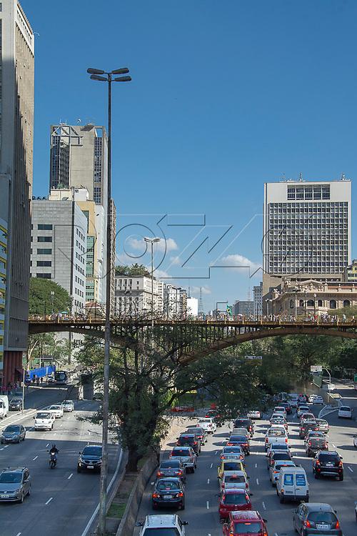 Avenida Prestes Maia com Viaduto Santa Ifigênia, São Paulo - SP, 07/2016.