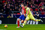 Lucas Hernandez of Atletico de Madrid (L) is challenged by Luis Suarez of FC Barcelona (R) during the La Liga 2018-19 match between Atletico Madrid and FC Barcelona at Wanda Metropolitano on November 24 2018 in Madrid, Spain. Photo by Diego Souto / Power Sport Images