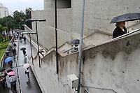 SAO PAULO, SP,  5 DE JUNHO DE 2012 - CLIMA TEMPO. A chuva voltou a apareceu na capital paulista na manhã desta terça no bairro de Sumare .FOTO: GEORGINA GARCIA/ BRAZIL PHOTO PRESS.