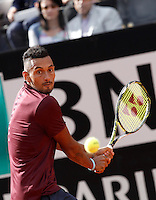 L'australiano Nick Kyrgios in azione nel corso degli Internazionali d'Italia di tennis a Roma, 12 maggio 2016. Australia's Nick Kyrgios returns the ball to Spain's Rafael Nadal at the Italian Open tennis tournament in Rome, 12 May 2016.<br /> UPDATE IMAGES PRESS/Isabella Bonotto