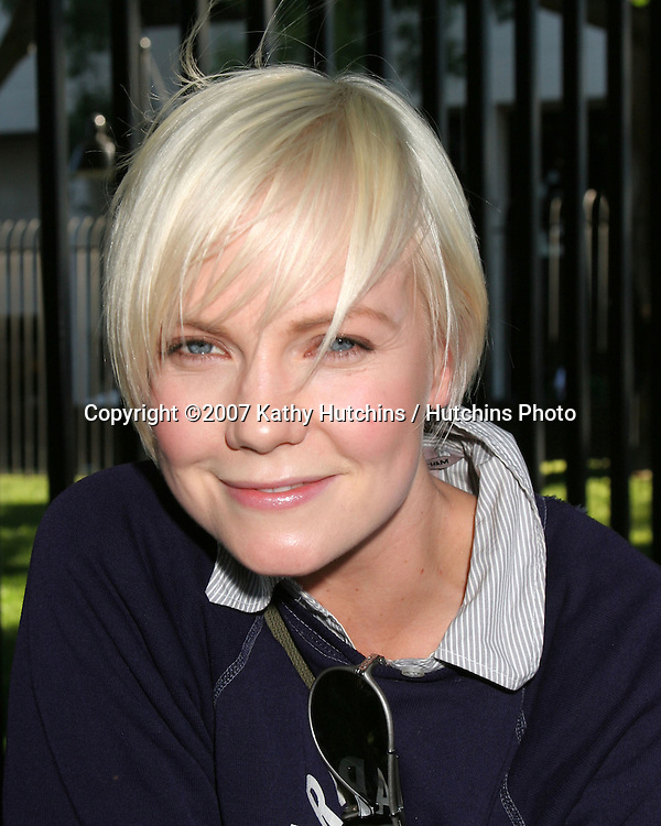 Laura Harris.Screen Actor's Guild Support the Writer's Guild of America Strike.Outside NBC/Universal Studios Lot.Lankershim Blvd.Los Angeles, CA.November 13, 2007.©2007 Kathy Hutchins / Hutchins Photo...               .
