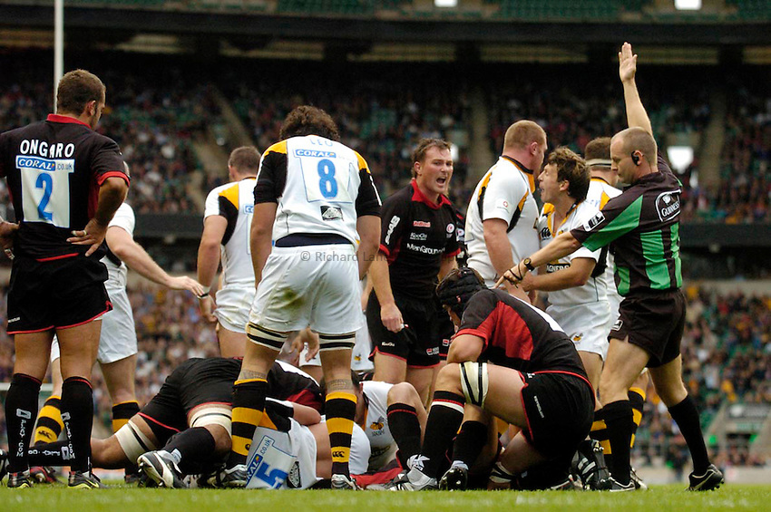 Photo: Leigh Quinnell..Saracens v London Wasps. Guinness Premiership. 02/09/2006. Tom Palmer scores a try for Wasps.