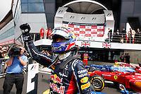 SILVERSTONE INGLATERRA, 08 JULHO 2012 - FORMULA 1 - GP DE SILVERSTONE -  O piloto australiano Mark Webber da equipe Red Bull comemora vitoria  no Grande Premio de Silverstone em Silverstone na Inglaterra neste domingo, 08. (FOTO: PIXATHLON / BRAZIL PHOTO PRESS).