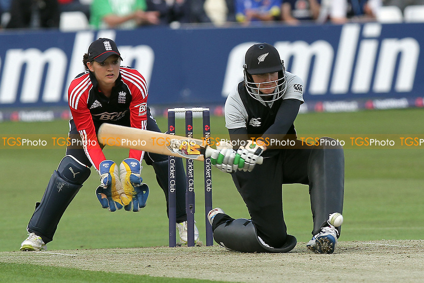 Nicola Browne in batting action for New Zealand - England Women vs New Zealand Women - NatWest Women's Quadrangular T20 Series Cricket at the Ford County Ground, Chelmsford - 23/06/11 - MANDATORY CREDIT: Gavin Ellis/TGSPHOTO - Self billing applies where appropriate - Tel: 0845 094 6026