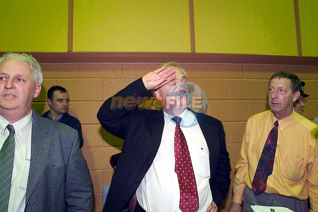 John Bruton wiping the sweet off his brow at the election count in Navan.Picture Fran Caffrey Newsfile...This Picture is sent to you by:..Newsfile Ltd.The View, Millmount Abbey, Drogheda, Co Louth, Ireland..Tel: +353419871240.Fax: +353419871260.GSM: +353862500958.ISDN: +353419871010.email: pictures@newsfile.ie.www.newsfile.ie