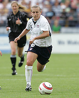 10 July 2005:  Tiffeny Milbrett of USA in action against Ukraine at Merlo Field at University of Portland in Portland, Oregon.    USA defeated Ukraine, 7-0.   Credit: Michael Pimentel / ISI